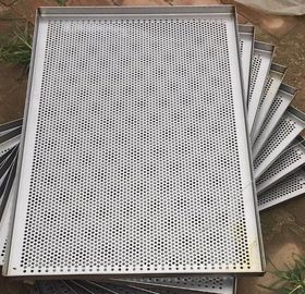 Metal Perforated Wire Basket Cable Tray , Stainless Steel Baking Sheet For Food Processing